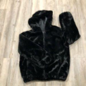 Donna slayers fabulous Furs 100%faux